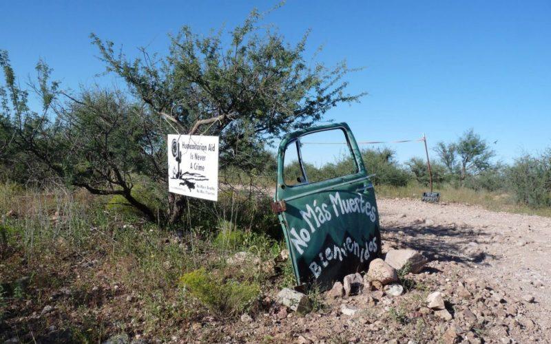 Hombre podría ir a la cárcel durante 20 años por ayudar a migrantes perdidos en el desierto