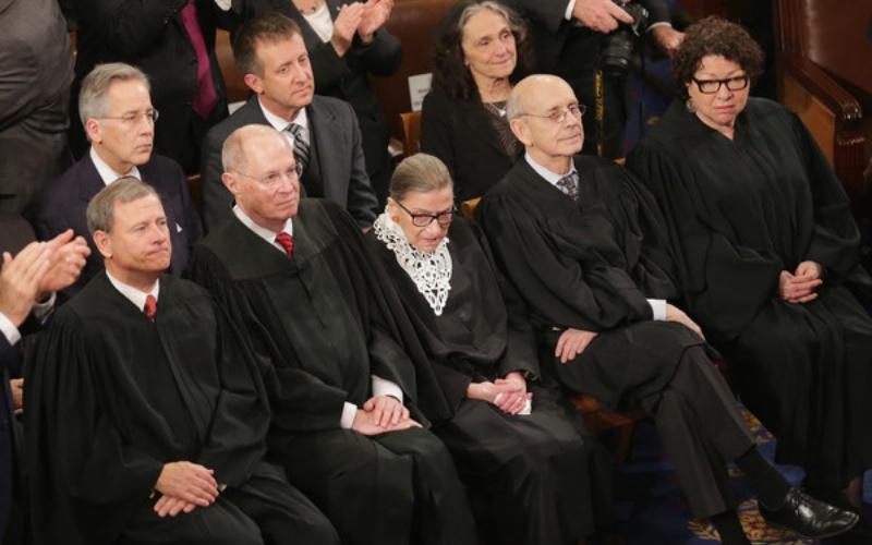 La Corte Suprema permite la plena aplicación de las reglas de asilo de Trump