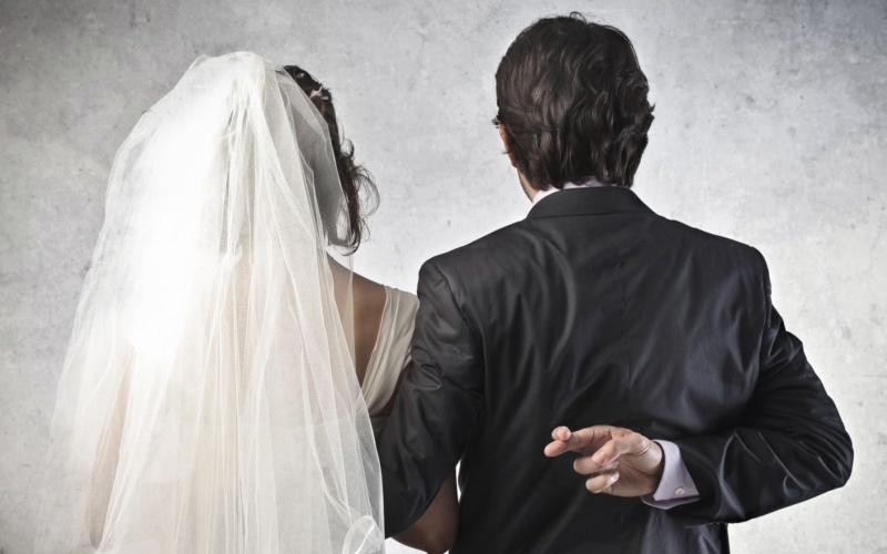 USCIS ayuda a detectar fraudes matrimonial