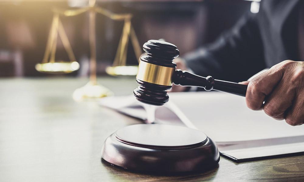 juez Suspende DACA